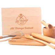 Wooden baking set